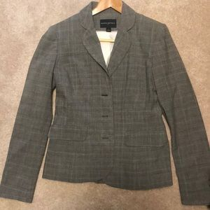 2 piece pant suit in six 6 from banana republic.